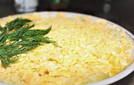 готовим салат мимоза пошагово