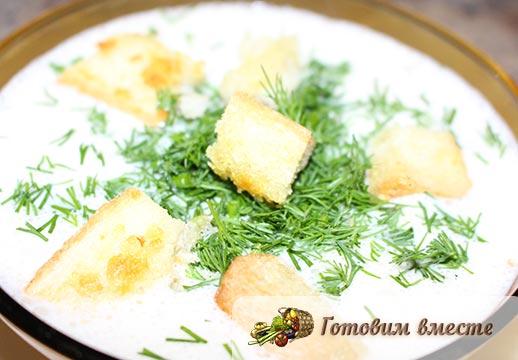 Крем-суп с креветками и плавленным сыром готов